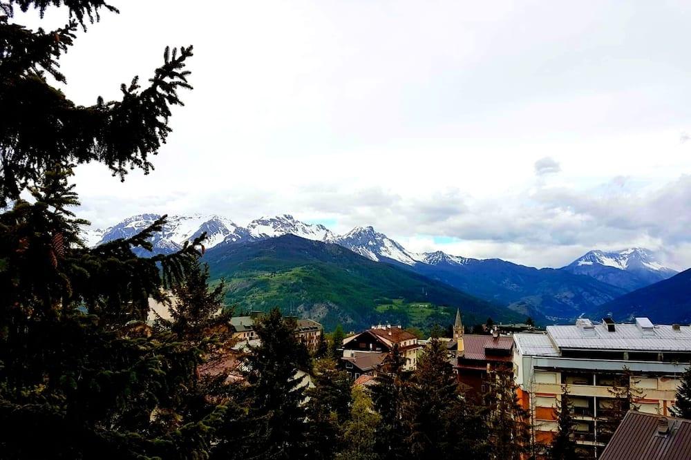 شقة - غرفة نوم واحدة - منظر للجبل