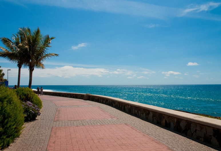 Playa Flor II, San Bartolome de Tirajana, Beach