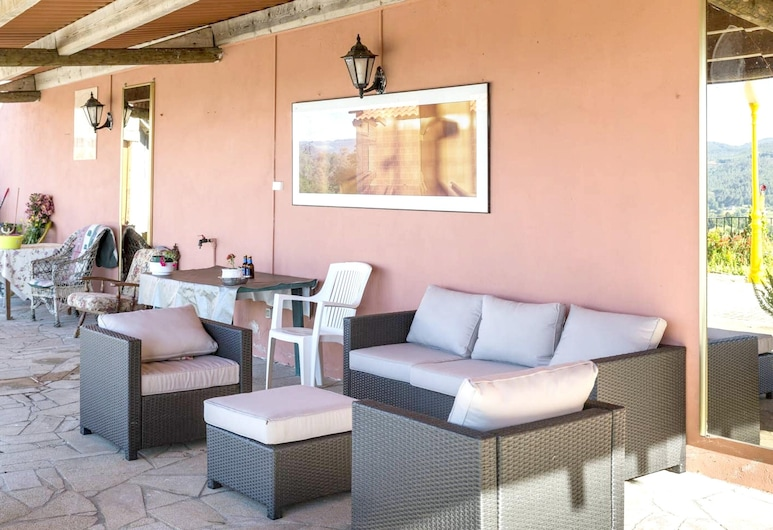 House With 4 Bedrooms in Carboeiro de Francia, With Wonderful Mountain View, Furnished Terrace and Wifi - 60 km From the Beach, Silleda