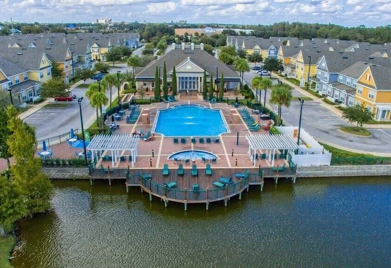 4BR Luxury home, Themed rooms -10 Minutes to Disney, Kissimmee