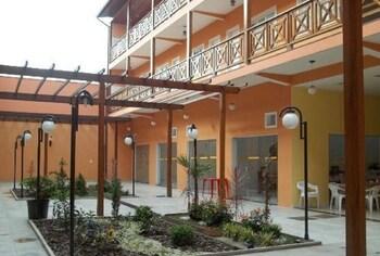 安哥拉港OYO 艾斯特拉達奧羅旅館的相片