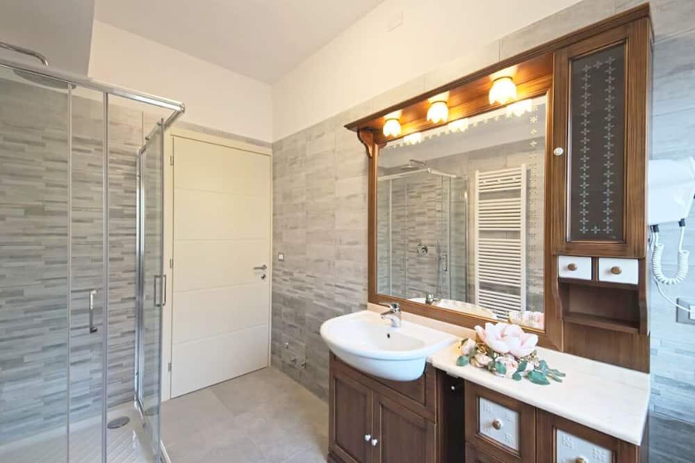 Standarta divvietīgs numurs, privāta vannasistaba (External) - Vannasistaba
