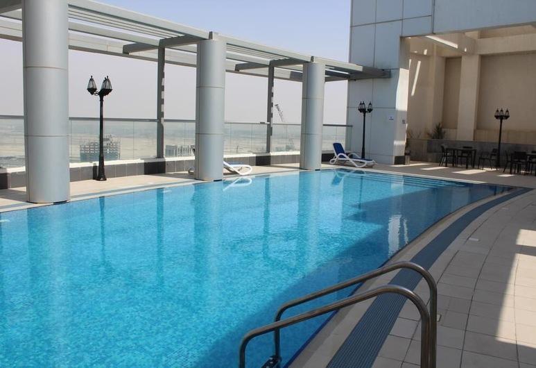 Vacation bay Burj Al Noujum Tower, Dubai, Outdoor Pool