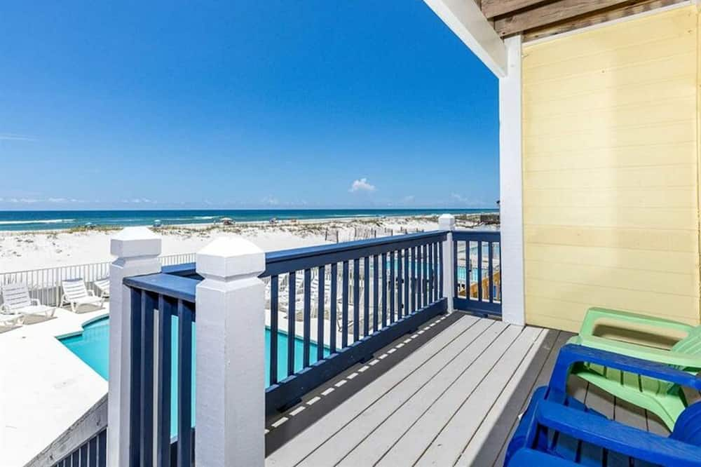 Blue Parrot 1 by Meyer Vacation Rentals