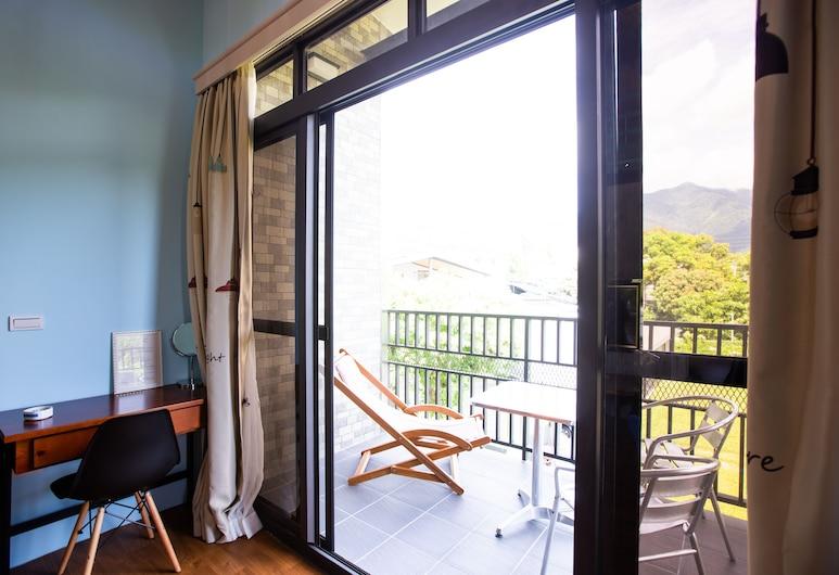 Woolywo Homestay, Yuli, Family Room, Balcony View