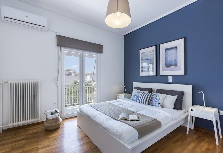 Elegant 2 bedroom apartment in Thissio, Athén, apartman, 2 hálószobával, Szoba