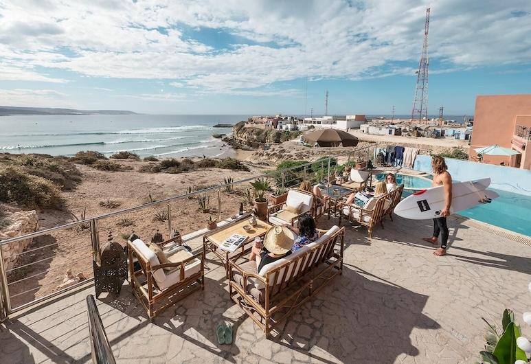 奧羅衝浪和自然飯店, 伊姆蘇安納