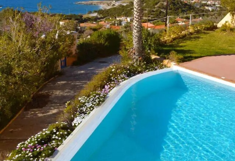 Seaview Villa with pool, Spa tub and Barbecue, Alimos, Piscina