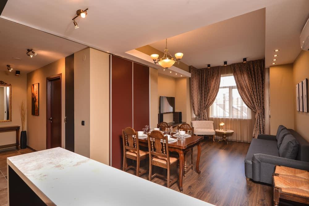 Apart Daire, 2 Yatak Odası, Balkon, Şehir Manzaralı - Oturma Alanı