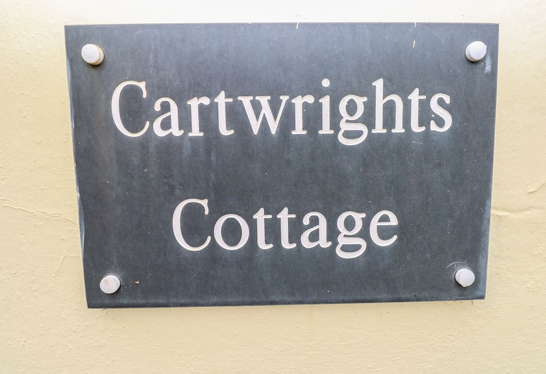 Cartwrights Cottage, Tenby, Cottage, Camera
