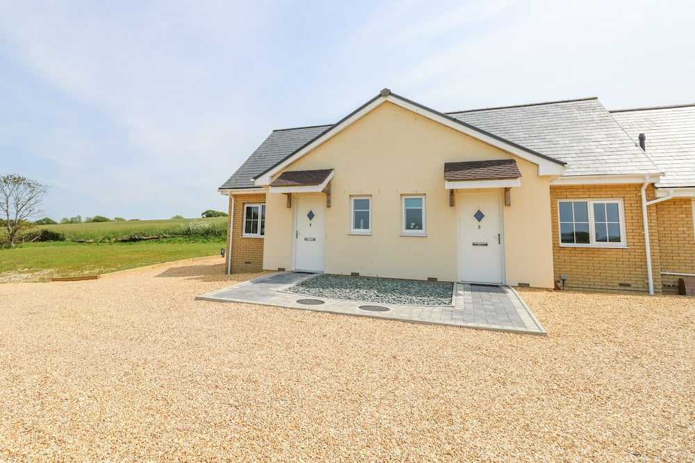 5 Yarmouth Cottages, Freshwater