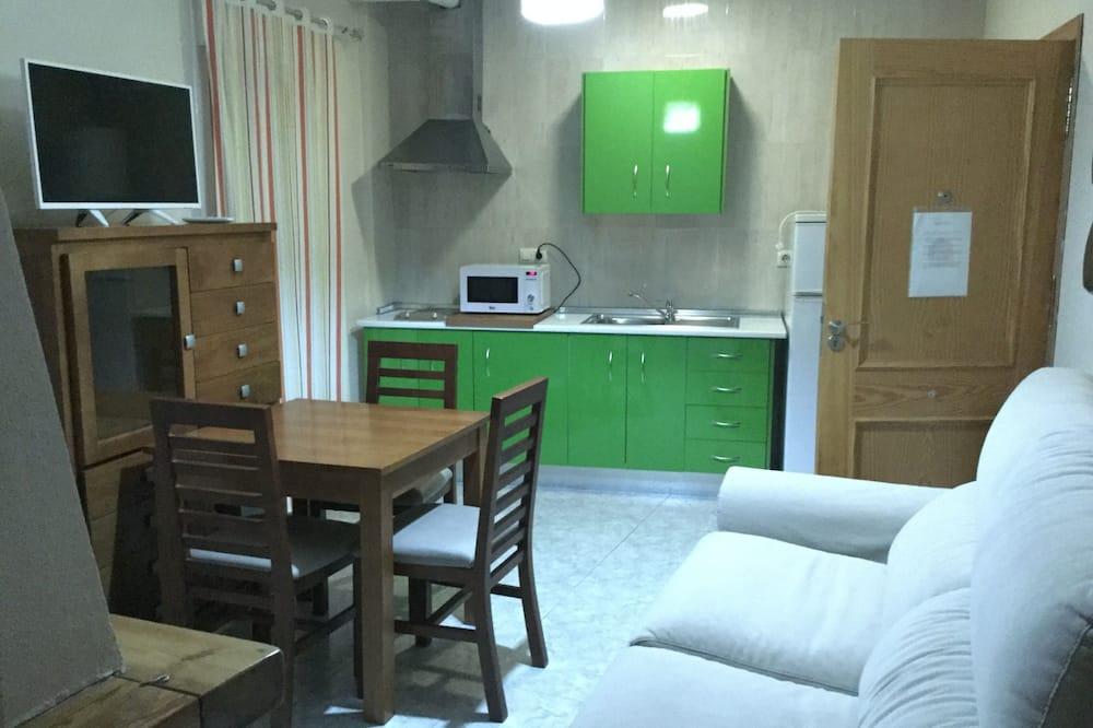 Apartment, 2 Bedrooms (Primavera) - Living Room