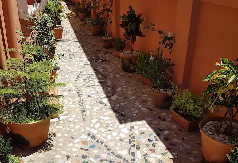 CHAMBRE D'HÔTES DURABLE ET TOURISME SOLIDAIRE, Antananarivo, Hiên