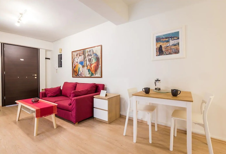 Downtown Urban Apartment for 4 people, Ateena