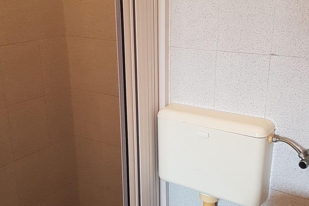 Double Room (2) - Bathroom