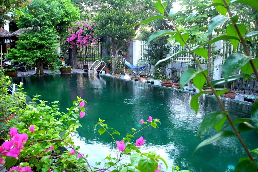 Garden 2 - Lake View