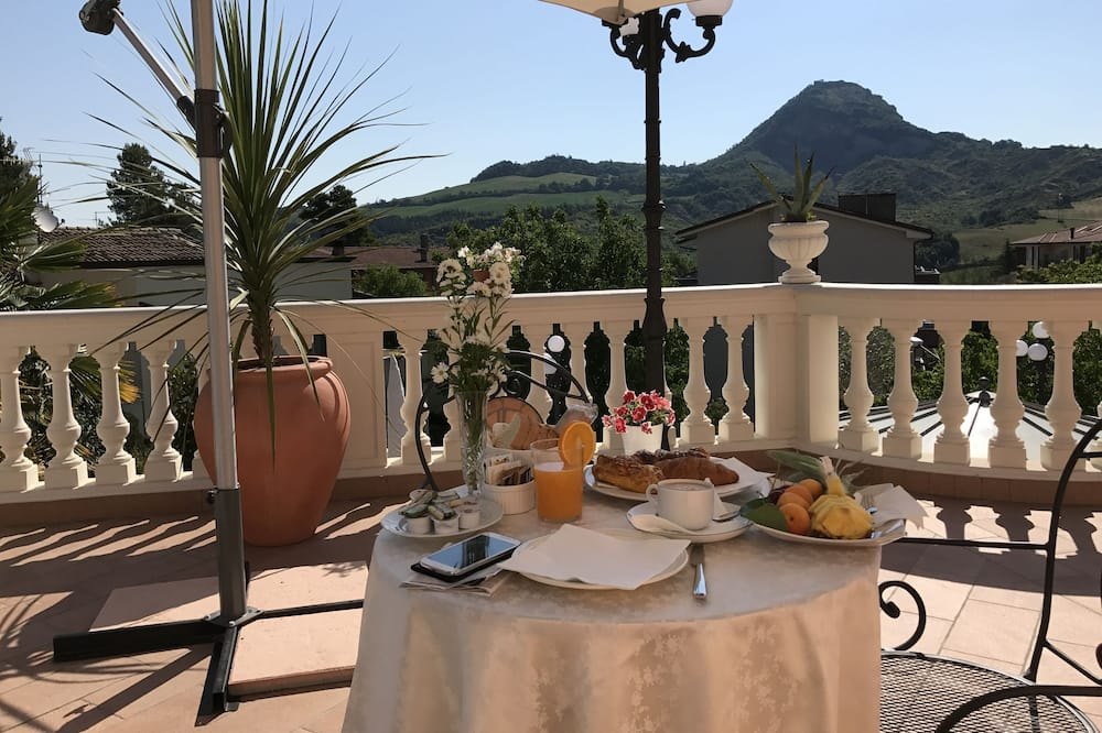 Superior Suite, Balcony, City View (Fellini) - Outdoor Dining
