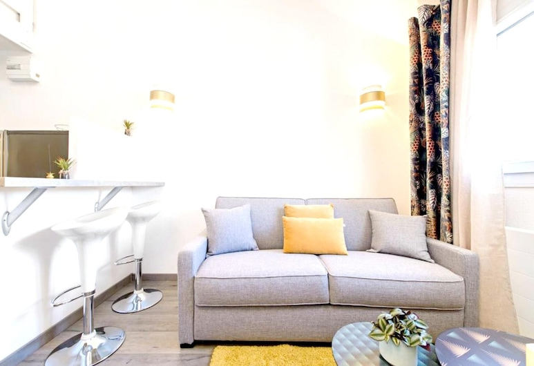 Apartment With one Bedroom in Bussy-saint-georges, With Wonderful City View and Wifi, Bussy-Saint-Georges, Living Room