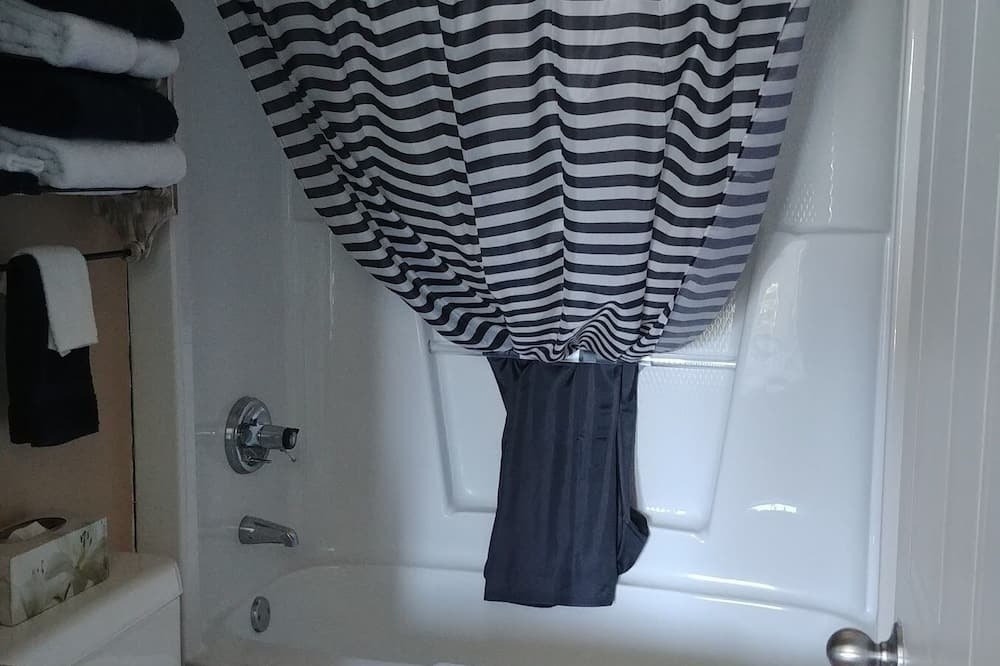Classic Double Room - Bathroom Sink