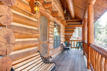 Picture of The Log Home in Yosemite National Park