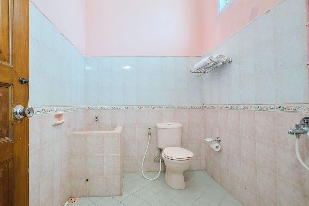 Chambre Familiale Double ou avec lits jumeaux - Salle de bain