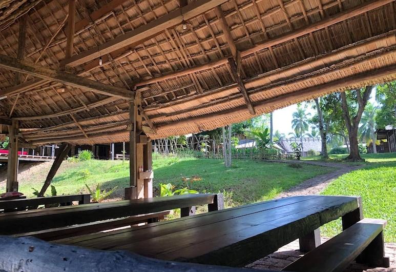 On The Mekong Resort, Luang Prabang, Property Grounds