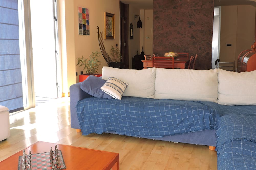 Ev, 3 Yatak Odası - Oturma Odası