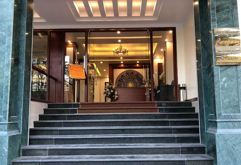 Y PLACE Guest House, Hanoi, Hotel Entrance