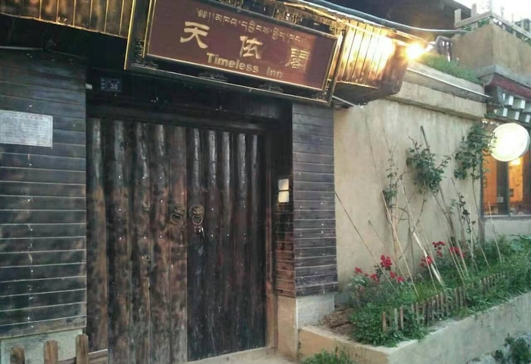 Timeless Hotel, Deqin