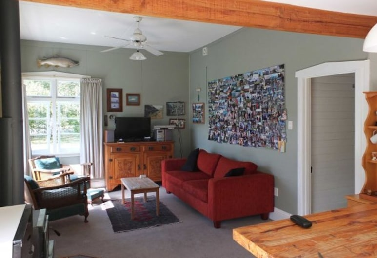 32 Scarborough Tce, Hanmer Springs, House, 2 Bedrooms, Living Area