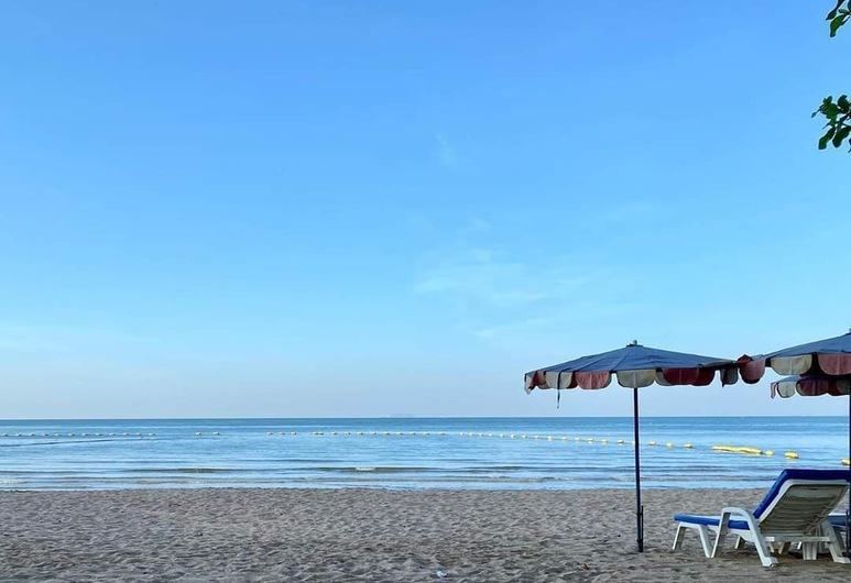 Dojo Pool Villa Beachfront, Pattaya, Praia