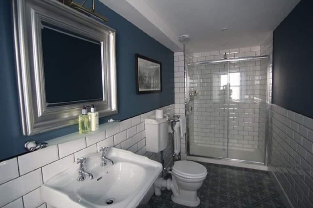 Superior Room (Shower) - Bathroom