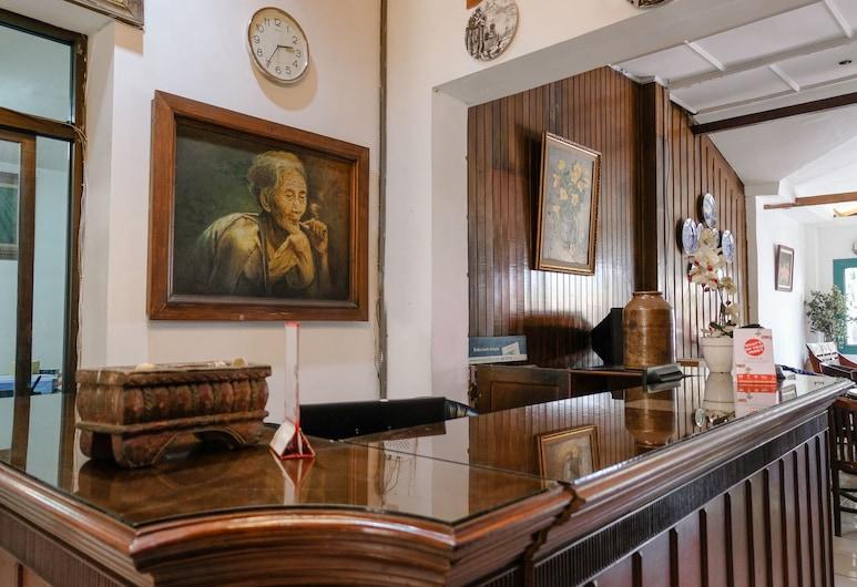 أو واي أو 1614 هوتل ماندالا بوري, مالانج, مكتب الاستقبال