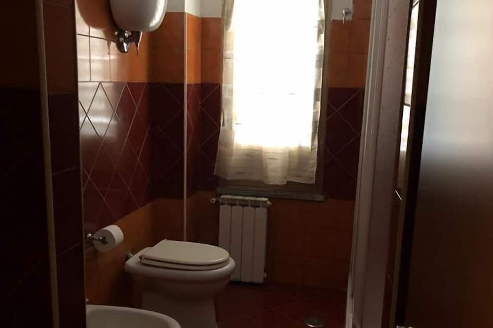 Стандартний двомісний номер, спільна ванна - Ванна кімната