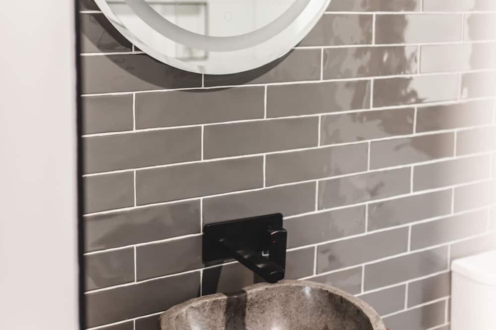 Luxury Cabin - Bathroom Sink