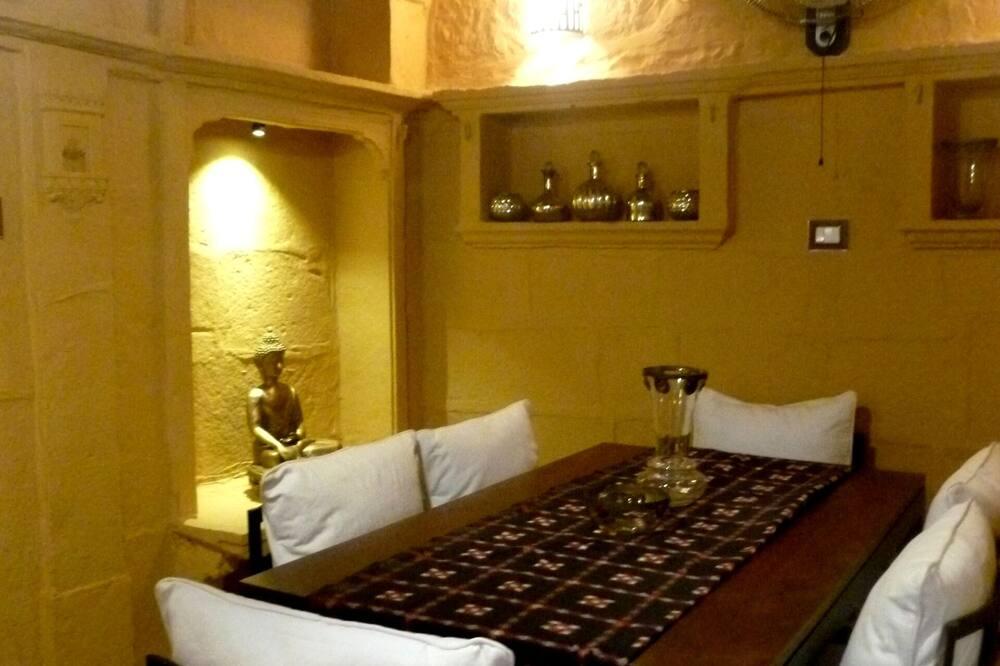 Tradicionāla māja - Numura ēdamzona