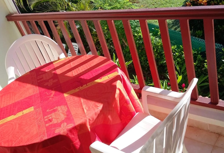 Apartment With one Bedroom in Les Anses-d'arlet, With Wonderful Mountain View, Enclosed Garden and Wifi, Les Anses-d'Arlets