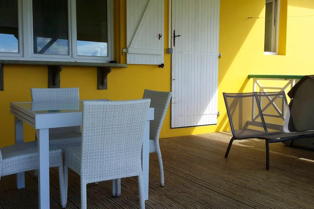 Apartment With one Bedroom in Deshaies, With Wonderful sea View, Furnished Garden and Wifi - 800 m From the Beach