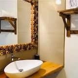 Double Room, Pool View - Sink Bilik Mandi
