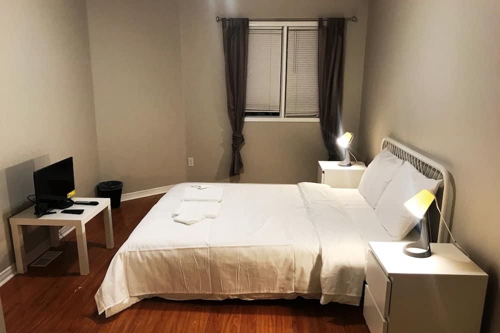 Prémium szoba kétszemélyes ággyal, privát fürdőszoba - Vendégszoba