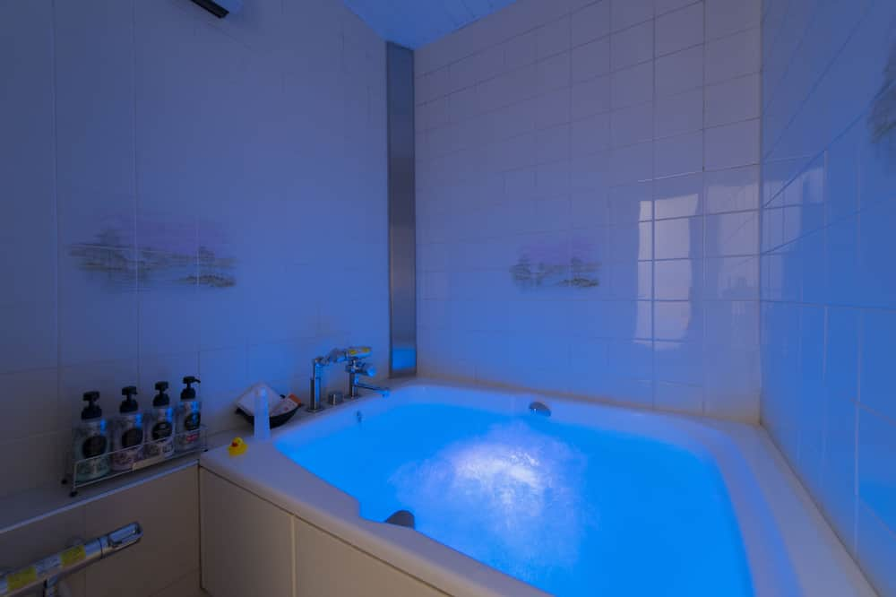 Kambarys (C Type) - Sūkurinė vonia