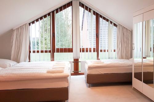 Tolstov-Hotels