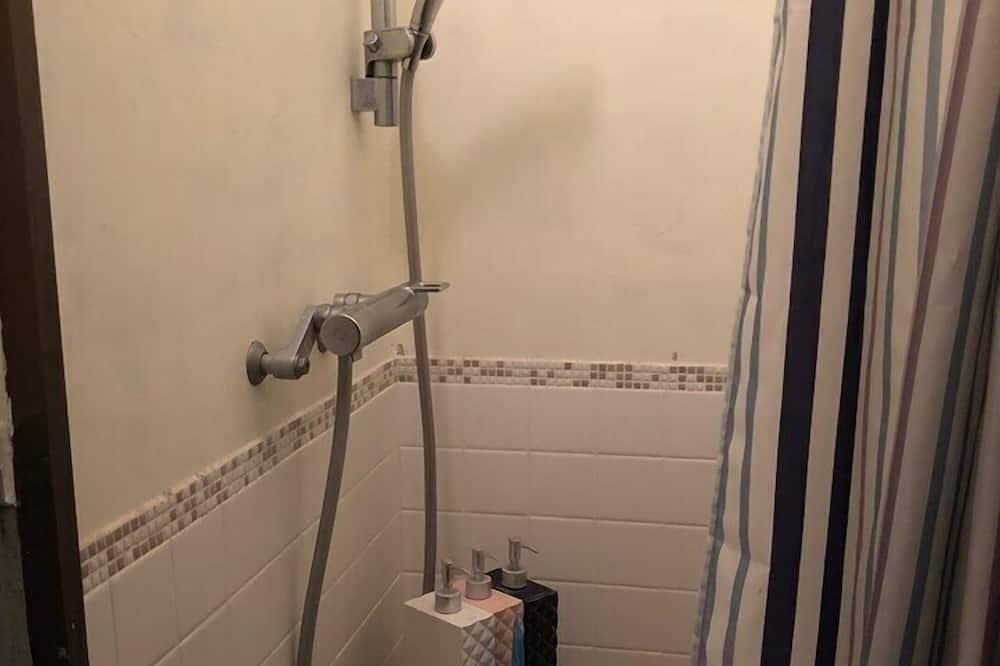 传统客房 (Japanese Style for 5 Guests) - 浴室淋浴