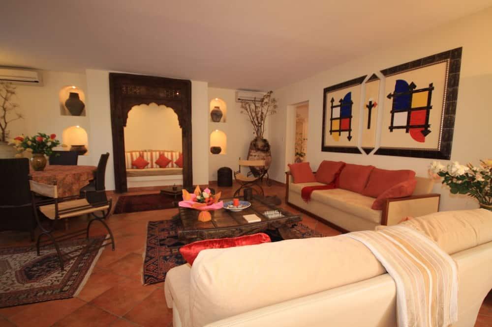 Deluxe Apartment, Patio (Mascat) - Living Room