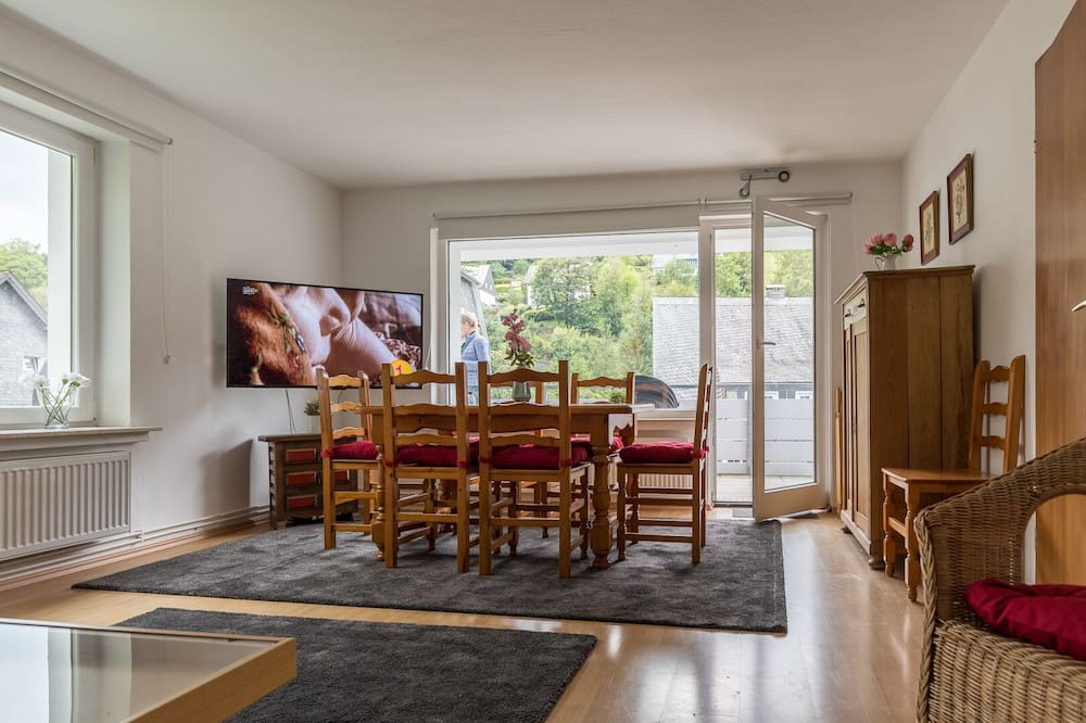 غرفة مزدوجة أو بسريرين منفصلين - بحمام مشترك (76.) - غرفة معيشة