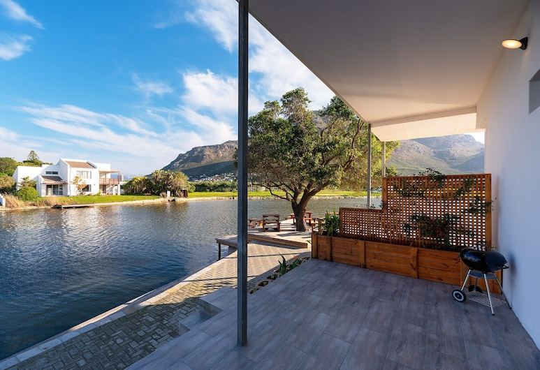 Marina Views, Cape Town, Room, Lake View (waterfront), Terrace/Patio