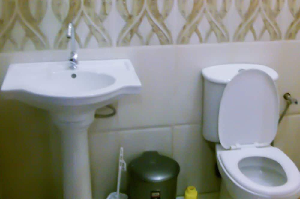 Eenvoudige Twin kamer - Badkamer
