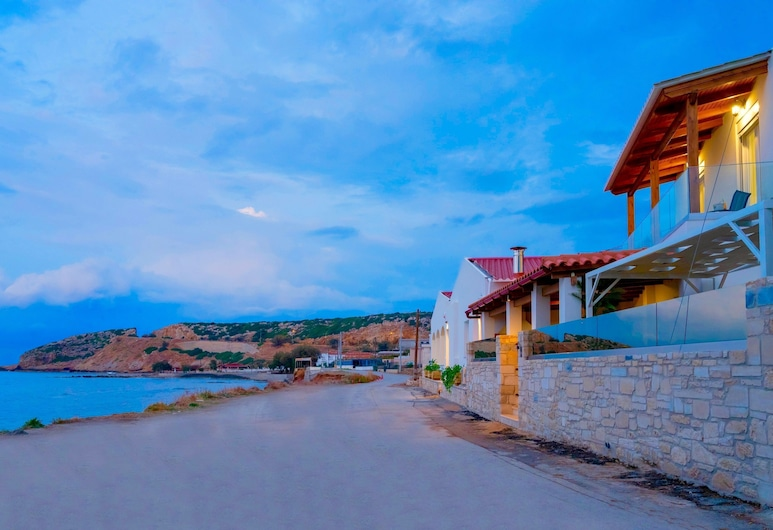 Thalassa, Rethymno, Pantai