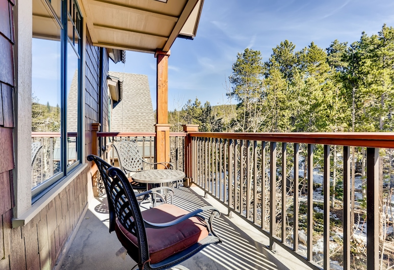 Luxury Water House Ski W/ Pool & Hot Tubs 3 Bedroom Condo, Breckenridge, Condo, 3 Bedrooms, Balcony