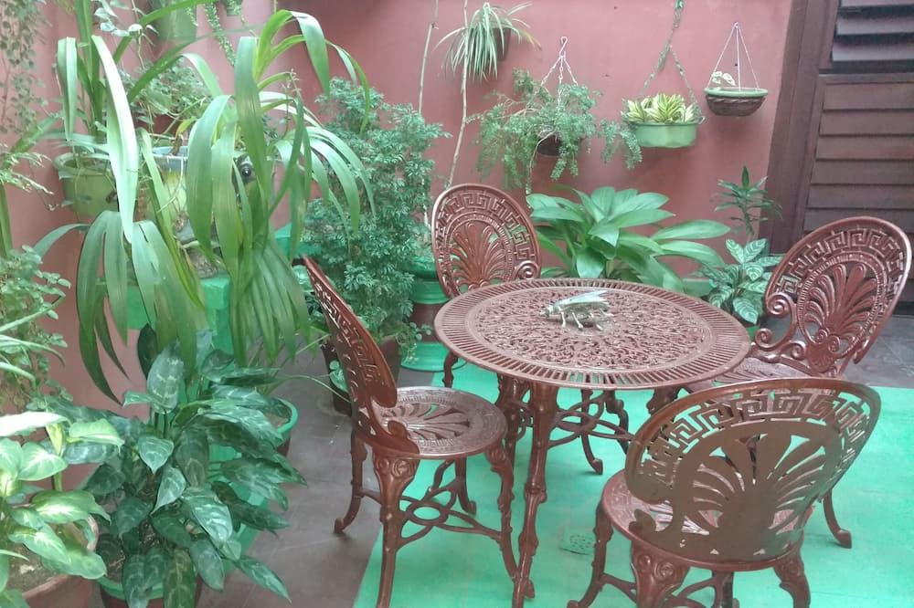 Standard Apartment - Garden View